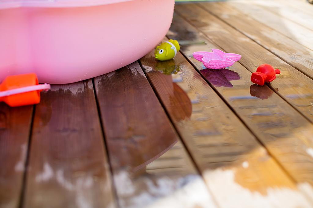 Badpremiär på altanen med en för tidig födelsedagspresent
