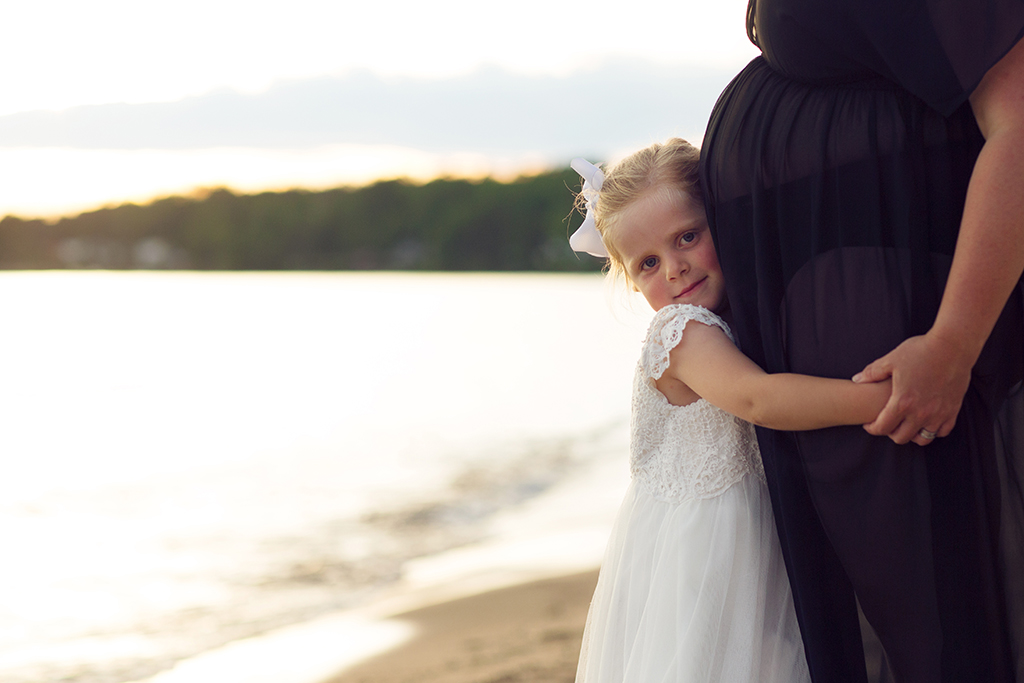 Gravidfotografering med fokus på hela underbara familjen